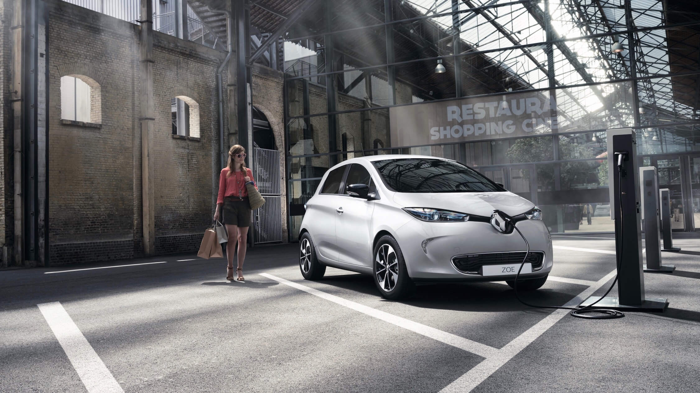 Renault Zoe charge point