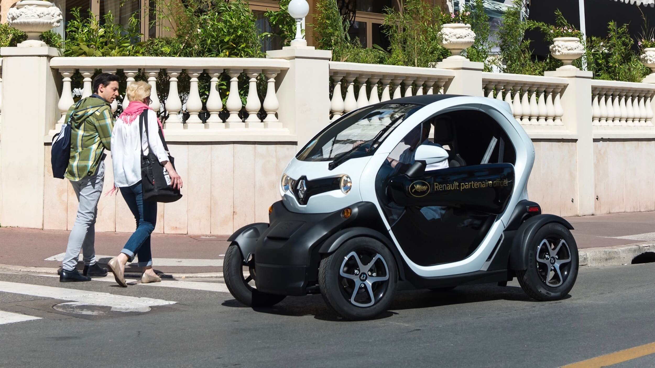Renault Twizy in city